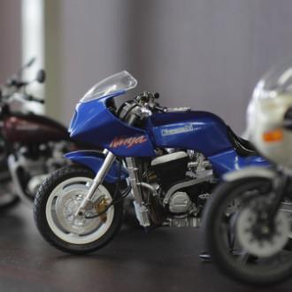 [写真]バイクのプラモデル